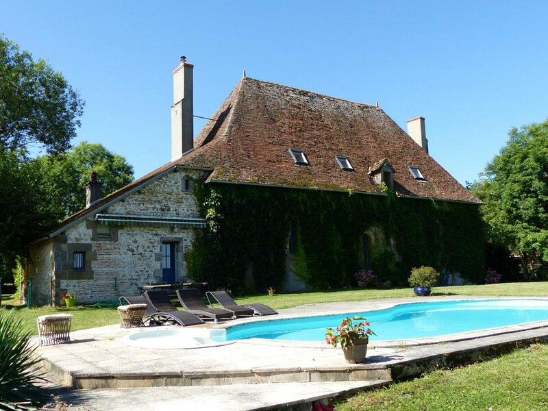 Le Manoir d'Ardennes, casa vacanza a Saint-Sornin