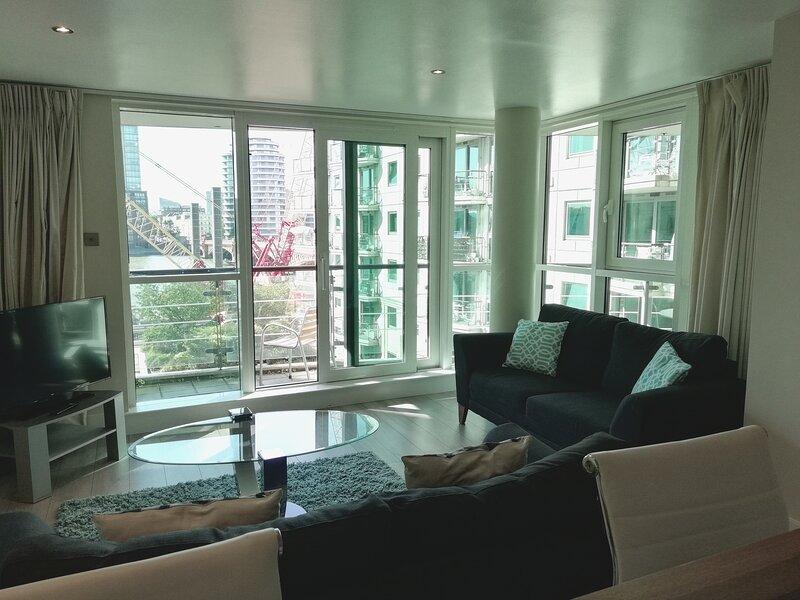 Still Life Vauxhall Deluxe One-Bedroom Apartment, aluguéis de temporada em Londres