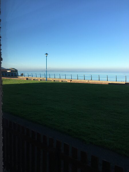 'The Promenade'   Super Seafront Apartment, 2 Bedrooms, Nr. Edinburgh, holiday rental in Pathhead