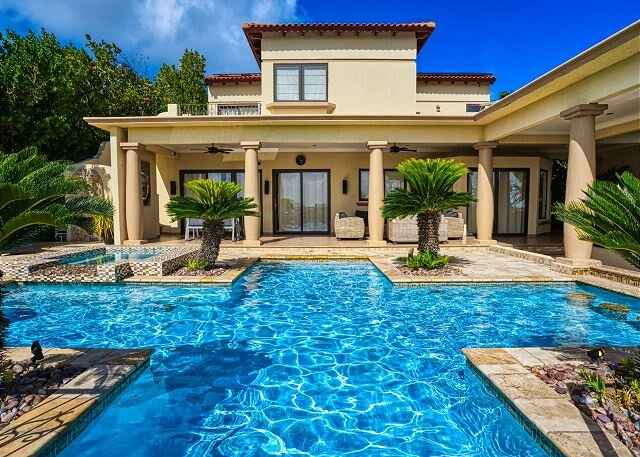 Private Pool, Outdoor Kitchen, AMAZING Ocean Views!, vacation rental in Arashi