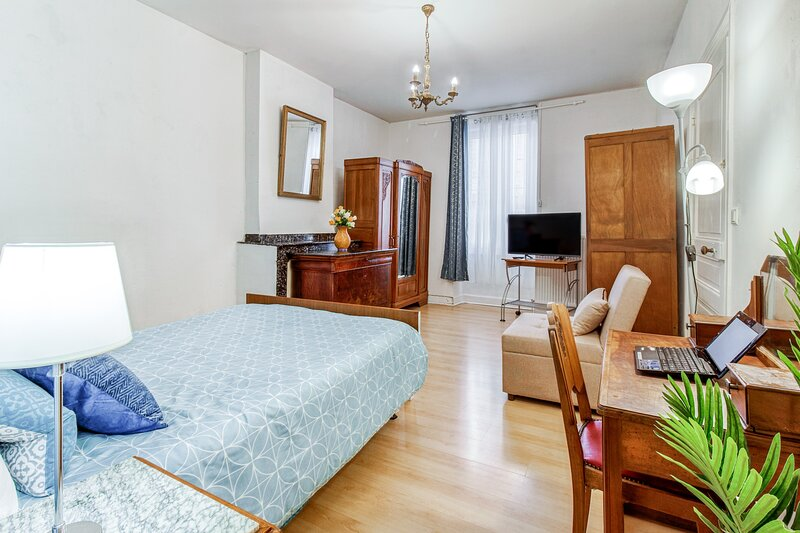 Appalousa - T2 tout confort proche centre ville Tarbes, holiday rental in Tarbes
