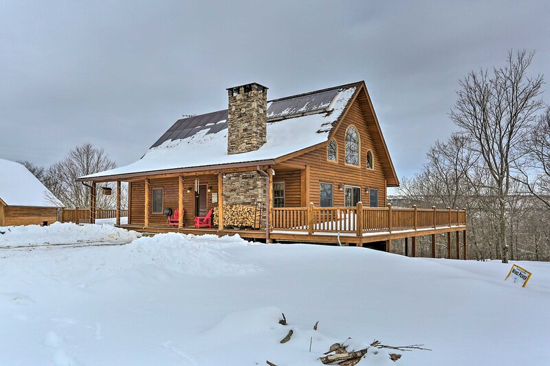 Poconos Family Fun - Ultimate Cabin Retreat!, holiday rental in Waverly