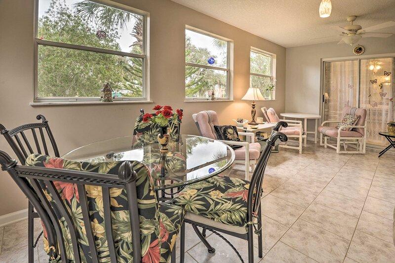NEW! Pet-Friendly Home w/ Yard - 2 Blocks to Beach, alquiler de vacaciones en Flagler Beach