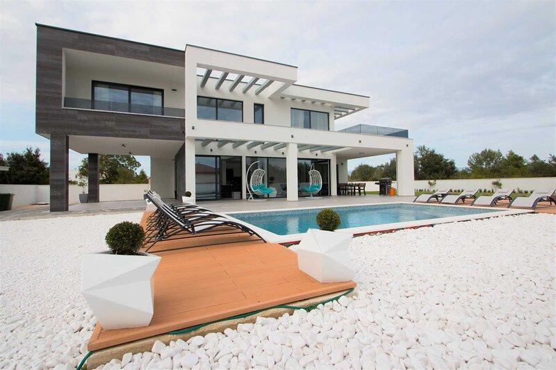 Villa Vagabundo with Pool, holiday rental in Nin