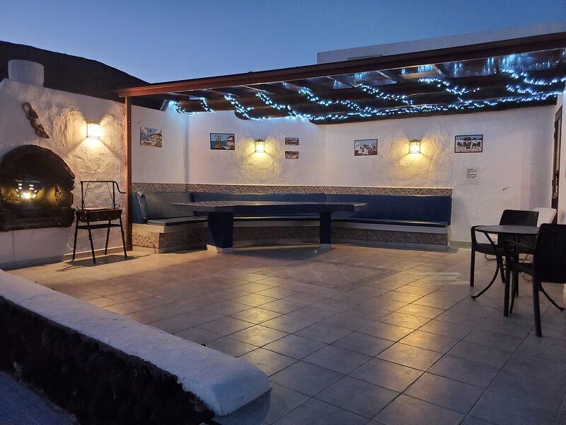 Playa Blanca Lanzarote with private pool (Casa Talessa 3 bedrooms, 2 bathrooms), holiday rental in Playa Blanca