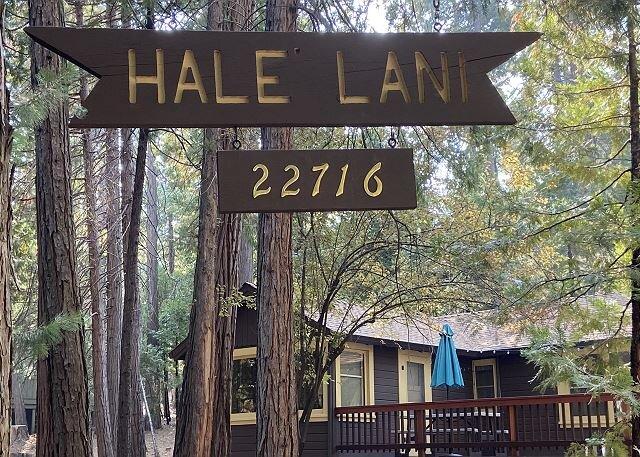 Charming 'Twain Harte Original' cabin- deck, kitchen, BBQ, handicap access, holiday rental in Mi Wuk Village