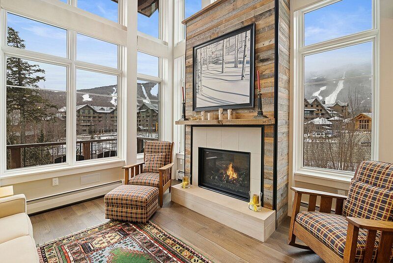 NEW SKI IN - SKI OUT Luxury Townhome at Spruce Peak, holiday rental in Underhill Center