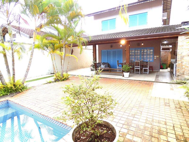Casa Ampla com Piscina, Varanda Gourmet e Wi-Fi, holiday rental in Juqueí
