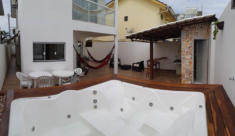 Casa c jacuzzi e wifi a 200 m da praia em Salvador, holiday rental in Abrantes