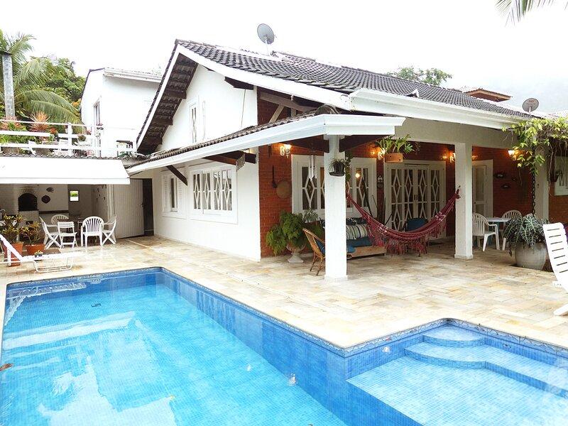 Casa com Wi-fi, Piscina e Área Gourmet em Guaecá, Ferienwohnung in Pauba