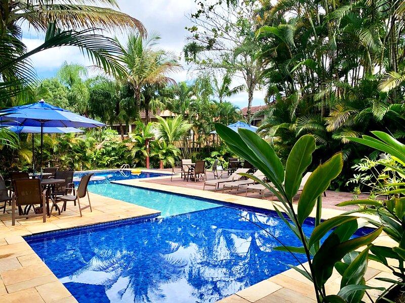 Casa Linda com Piscina e Wi-Fi, pertinho da Praia, aluguéis de temporada em Praia Barra do Sahy