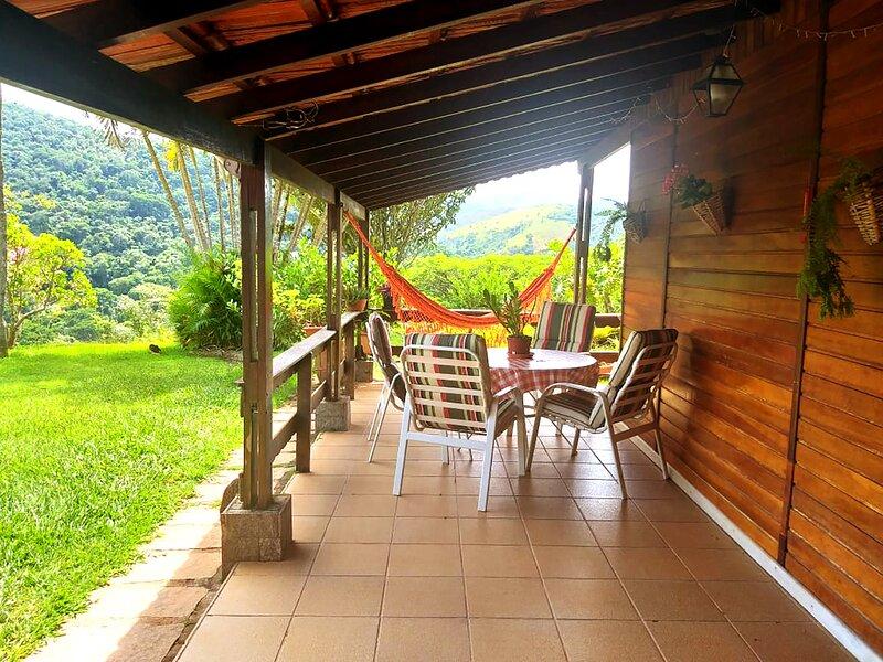Sítio Queluz Itaipava com piscina e churrasqueira, location de vacances à Araras