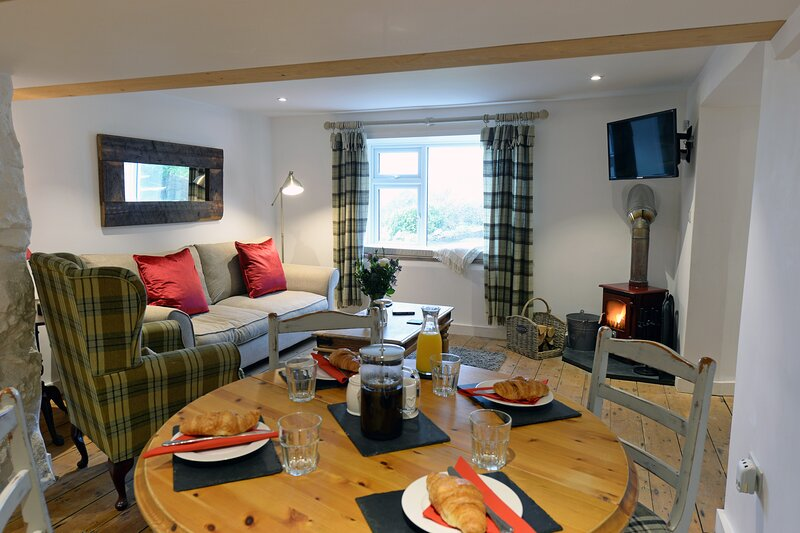 The Cwtch - Luxury Apartment, Sea Views, Parking, Close to Beach, Ferienwohnung in Tenby