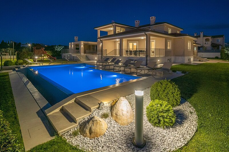 Beautiful Villa Silvia, in Istria, with a Pool, holiday rental in Kastelir