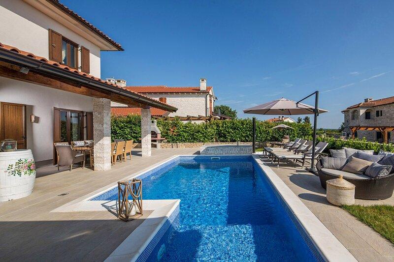 Beautiful Villa Luka, in Istria, with a Pool, holiday rental in Diklici