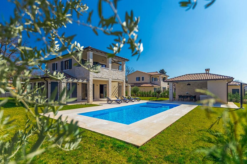 Beautiful Villa Sana, in Istria, with a Pool, holiday rental in Kukci