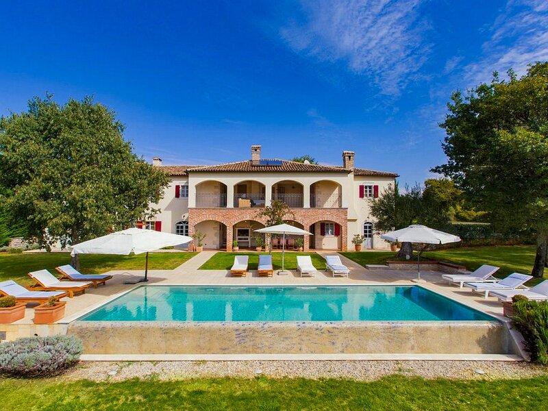 Dreamlike Villa Hacienda, in Istria, holiday rental in Zikovici