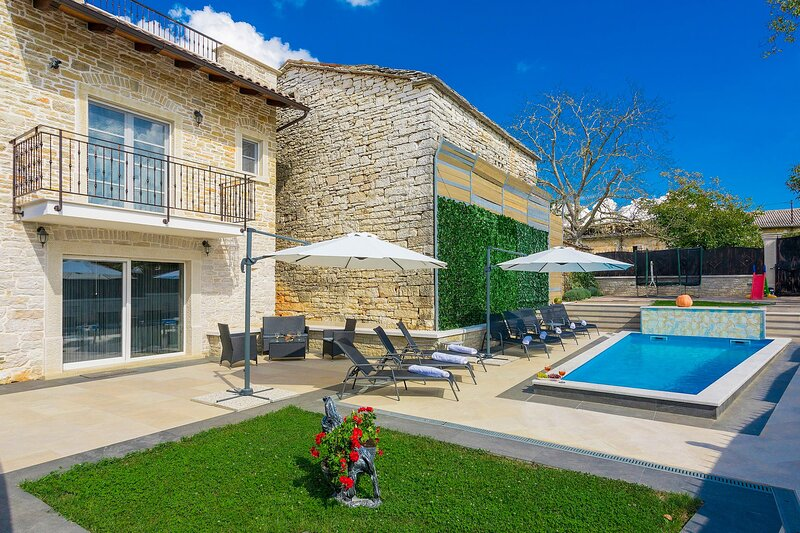 Beautiful Villa Patrick, in Istria, with a Pool, holiday rental in Beram