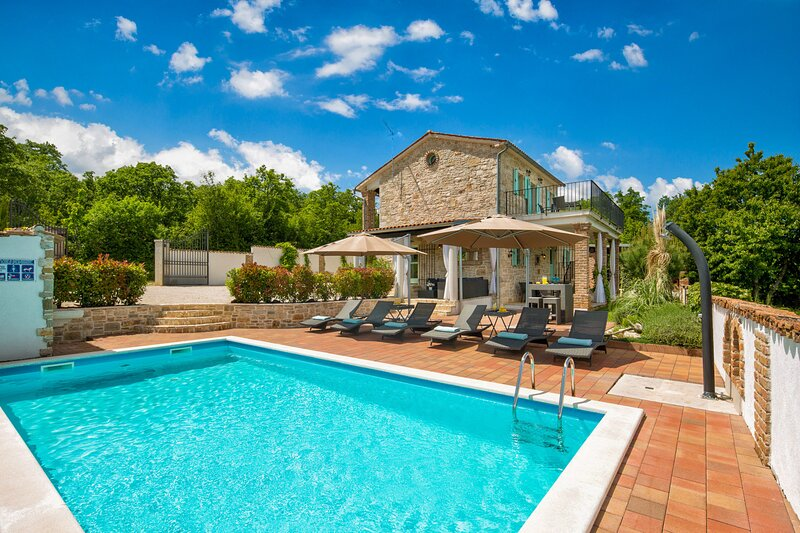Authentic Villa Iva, in Istria, with a Pool, holiday rental in Zikovici