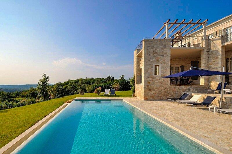Stone Villa Portia, in Istria, with a Pool, holiday rental in Oprtalj