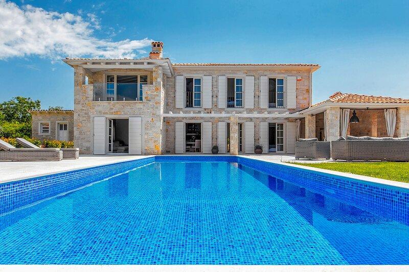 Lovely Villa Arabela, in Istria, with a Pool, aluguéis de temporada em Fabci