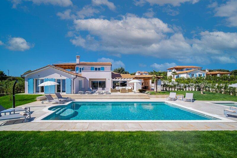 Beautiful Villa Ana Mirana, in Istria, holiday rental in Pavicini