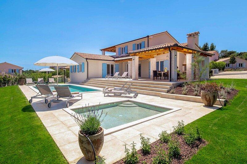 Beautiful Villa Luna Mirana, in Istria, holiday rental in Pavicini