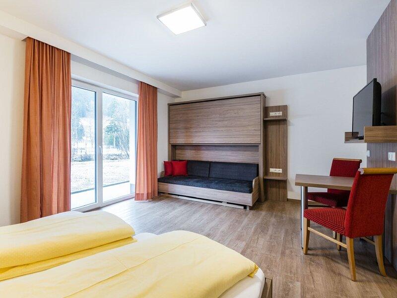 Alluring Apartment in Kleinarl with Ski-Storage, Parking & Garden, holiday rental in Kleinarl