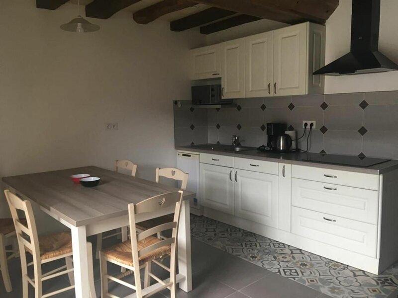 Crenon 2, vacation rental in La Suze-sur-Sarthe