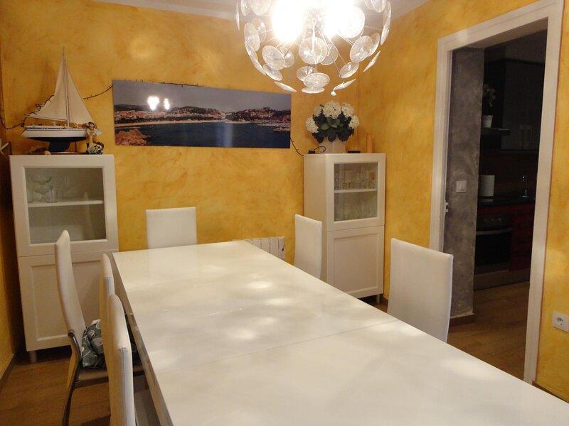 CASA MARTINET- A 180 METERS FROM THE BEACH, holiday rental in Sant Feliu de Boada