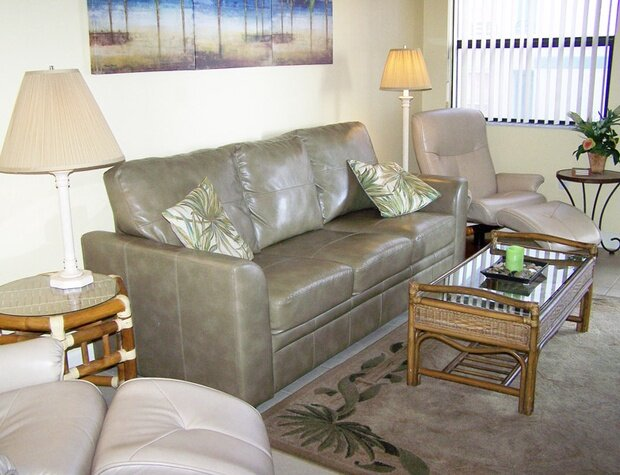 Vistas on the Gulf 407 2BR 2BA, holiday rental in St. Pete Beach