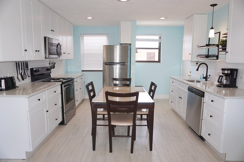 Gulf Winds 705 2BR 1BA, holiday rental in St. Pete Beach