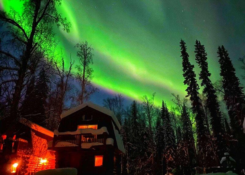 Waterfront Cabin perfect for Aurora viewing!, location de vacances à Fairbanks
