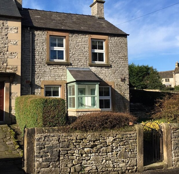 Anrek Cottage, holiday rental in Calver
