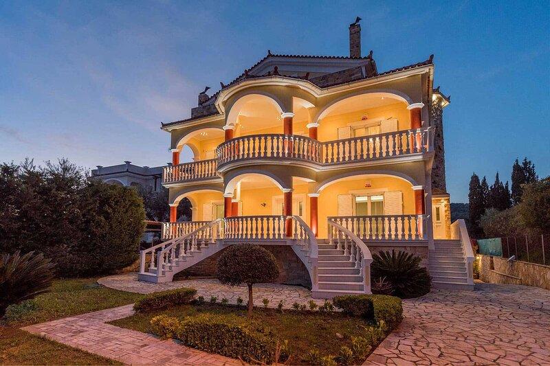 Villa Bella Sole with Private Pool, vacation rental in Tragakion