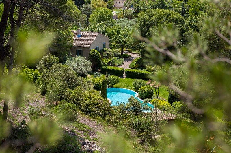 WHERE PROVENÇAL LANDSCAPES MEET LUXURY LIVING-A 700M2 RARE JEWEL IN ST REMY, casa vacanza a Mas-Blanc-des-Alpilles
