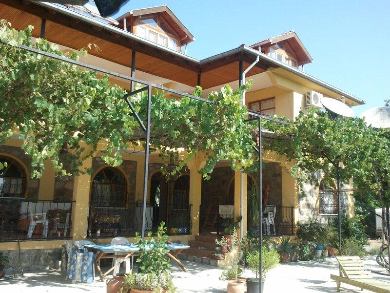 Portakallı Villa, holiday rental in Koycegiz