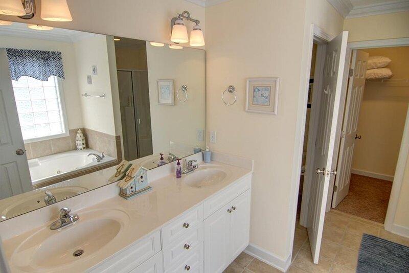 Sink,Double Sink,Indoors