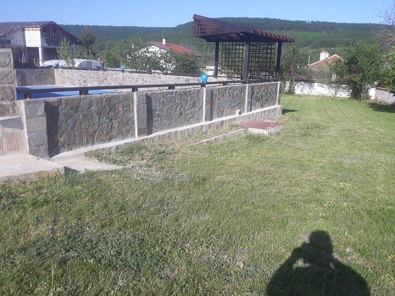 Inviting 4-Bed Villa in Dolishte, location de vacances à Dobrich