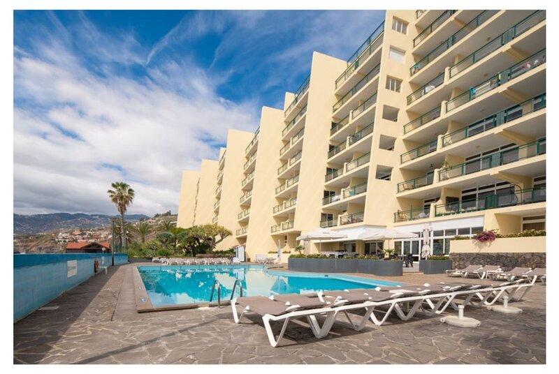 La Ocean View Apartment, vacation rental in Estreito de Camara de Lobos