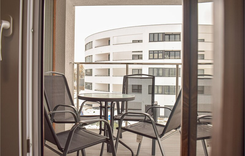 Amazing apartment in Kolobrzeg with 1 Bedrooms (PPO758), location de vacances à Ustronie Morskie