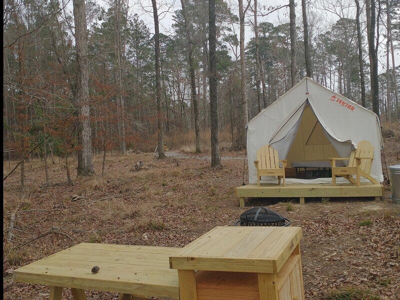 Tentrr State Park Site - Jimmie Davis State Park Site A, alquiler de vacaciones en Jonesboro