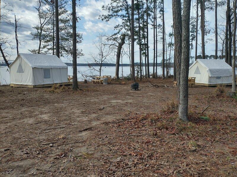 Tentrr State Park Site - Jimmie Davis State Park Site B   Double Tent Site, alquiler de vacaciones en Jonesboro