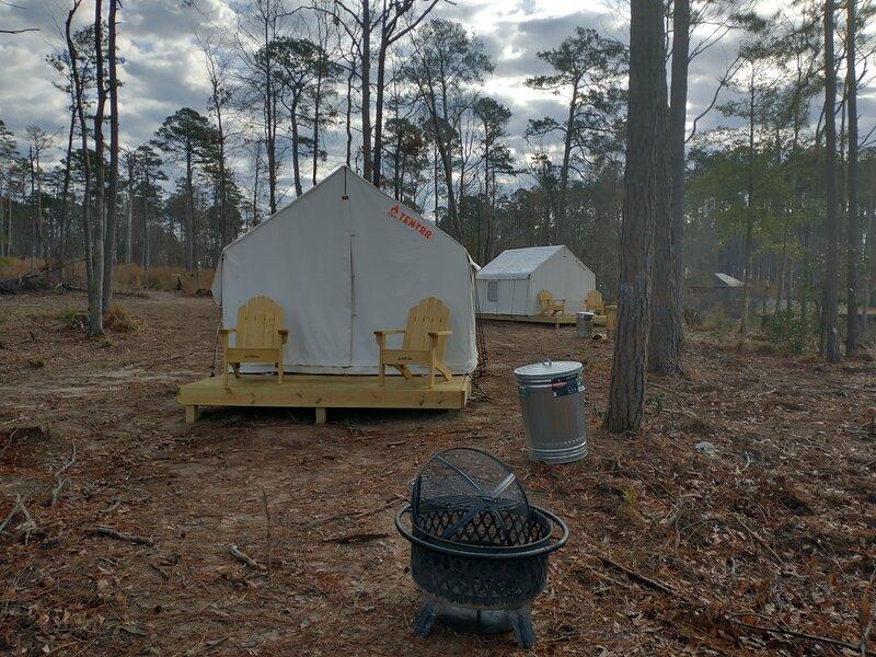 Tentrr State Park Site - Jimmie Davis State Park Site C Double Tent Site, alquiler de vacaciones en Jonesboro
