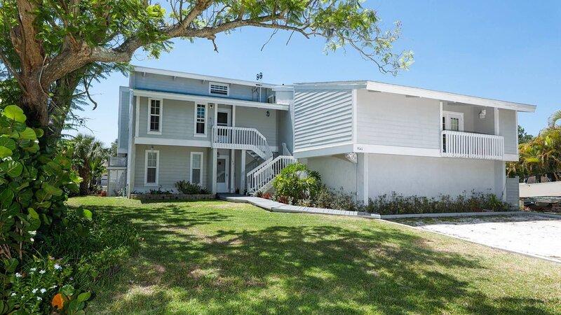 The Ultimate 2 Bedroom Condo on Charlotte Harbor, Orlando Condo 1005, alquiler vacacional en Grove City