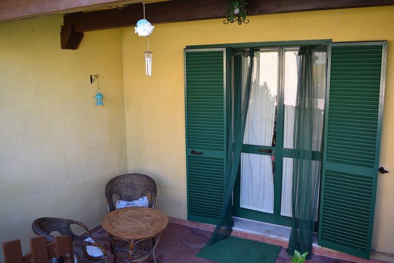 Villetta La Torre- 100 meters from the beach, holiday rental in Posada