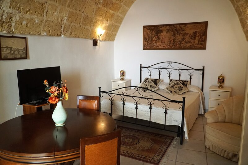 Monolocale in dimora storica 3 posti letto, holiday rental in Gemini