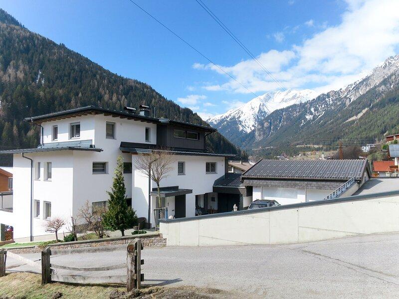 House Falch (FSA120), vacation rental in Elbigenalp