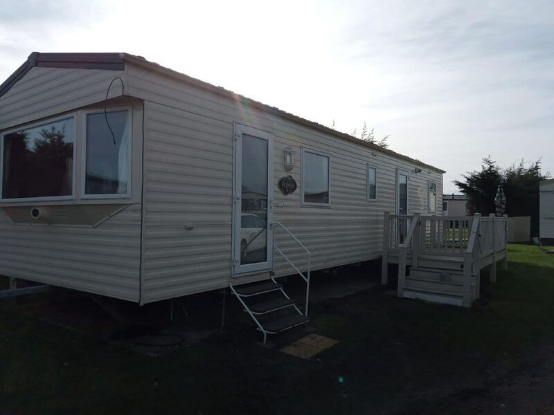 8 berth caravan for hire at Breydon Water Holiday Park in Norfolk ref 10029RP, location de vacances à Fritton