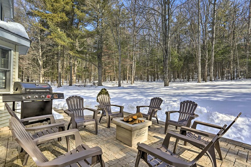 NEW! Cozy Home w/ Game Room, 8 Mi to Camelback Mtn, holiday rental in Saylorsburg